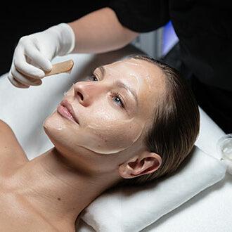 img-experts-cellular-facial